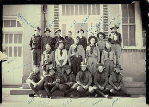 Early_Canadian_Scouts