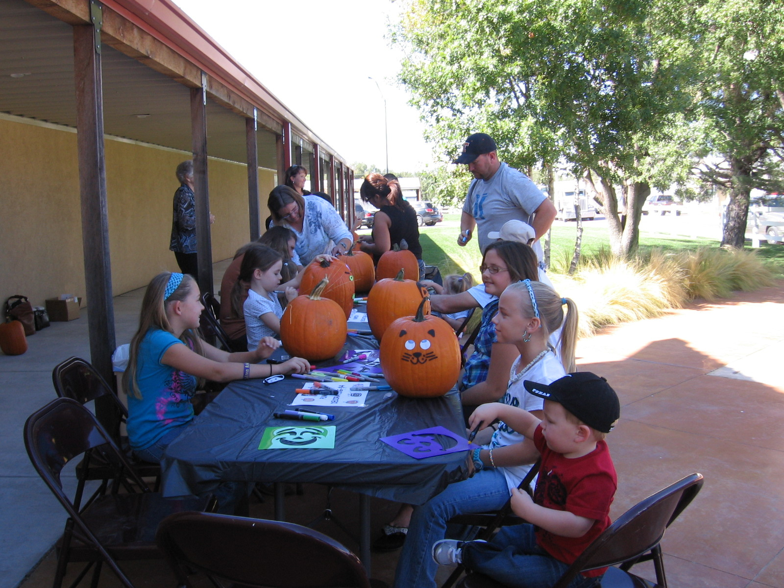 Pumpkin_Decorating_Booth_006