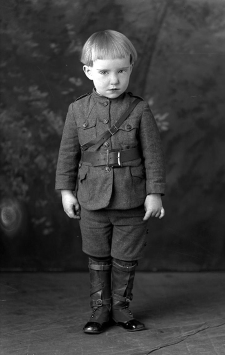 child_uniform_large